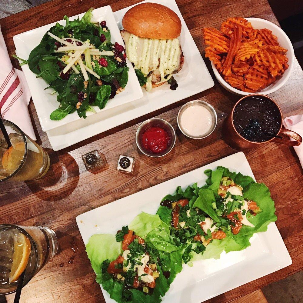 Crave Kitchen & Bar West: 631 N Resler Dr, El Paso, TX