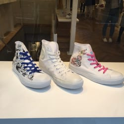 d9a58b439598 White atelier by Converse - Shoe Stores - 神宮前6-16-5