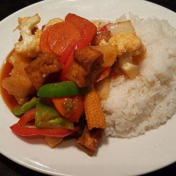 Bai Tong Thai Food Kelowna Bc