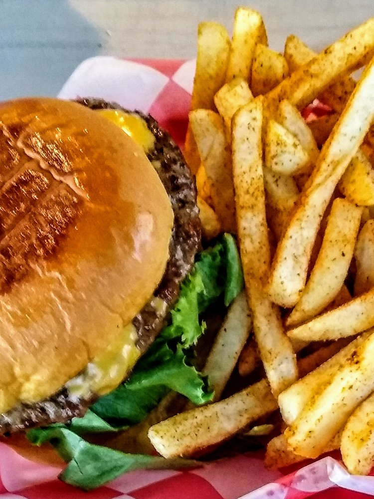 The Dive Burger Bar: 3520 Alta Mere Dr, Fort Worth, TX