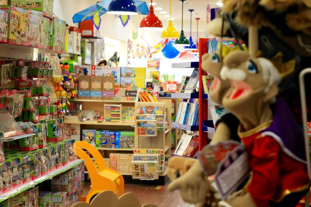 Castle Toys and Games: 12033 Perry Hwy, Wexford, PA