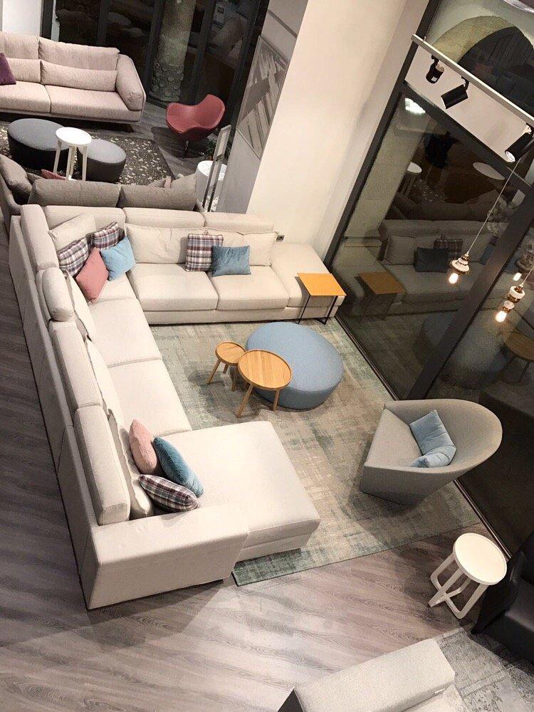 grassoler magasin de meuble avinguda diagonal 416 l 39 eixample barcelone barcelona. Black Bedroom Furniture Sets. Home Design Ideas
