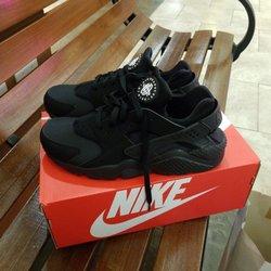 7970d93523b8 Lady Foot Locker - Shoe Stores - 98-1005 Moanalua Rd