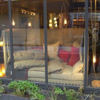 Caravane design d int rieur 19 22 rue st nicolas for Caravane chambre 19 meubles