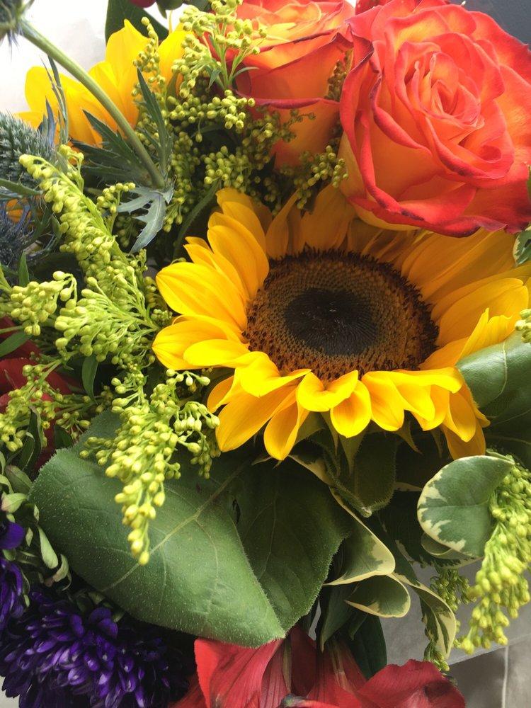 Marie's Flower Shoppe: 5918 New Jersey Ave, Wildwood Crest, NJ
