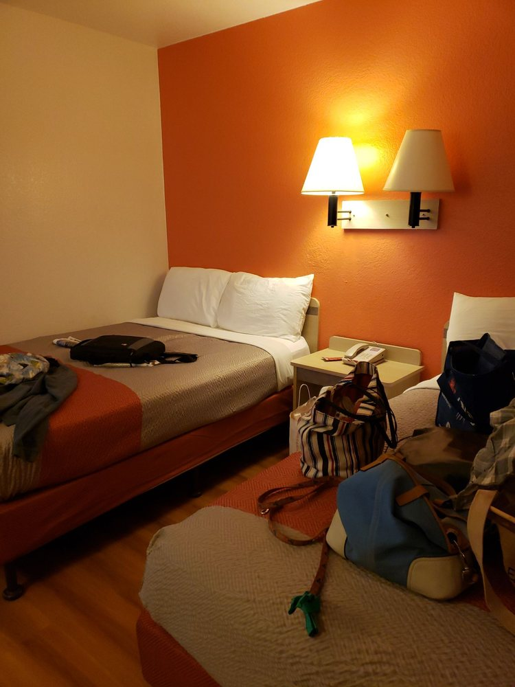 Motel 6: 2615 Commercial Way, Rock Springs, WY
