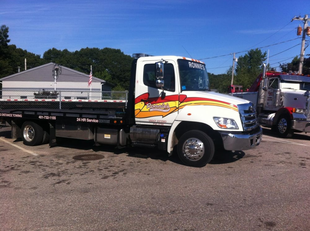 Towing business in East Greenwich, RI