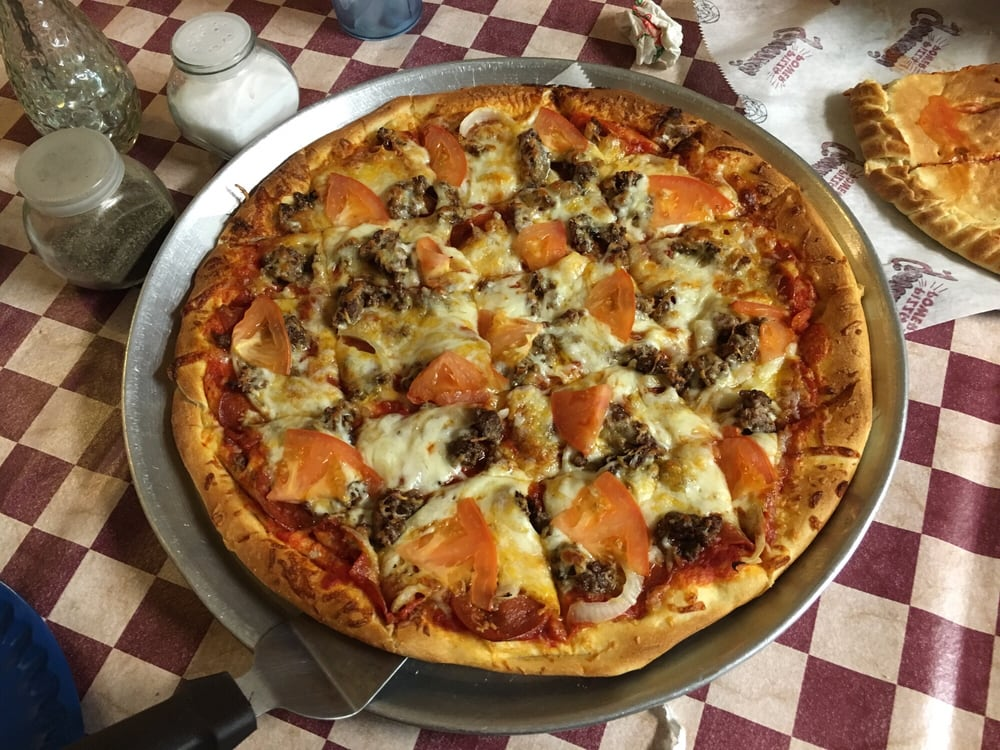Giovanni's Pizza: 615 Wheatley Rd, Ashland, KY