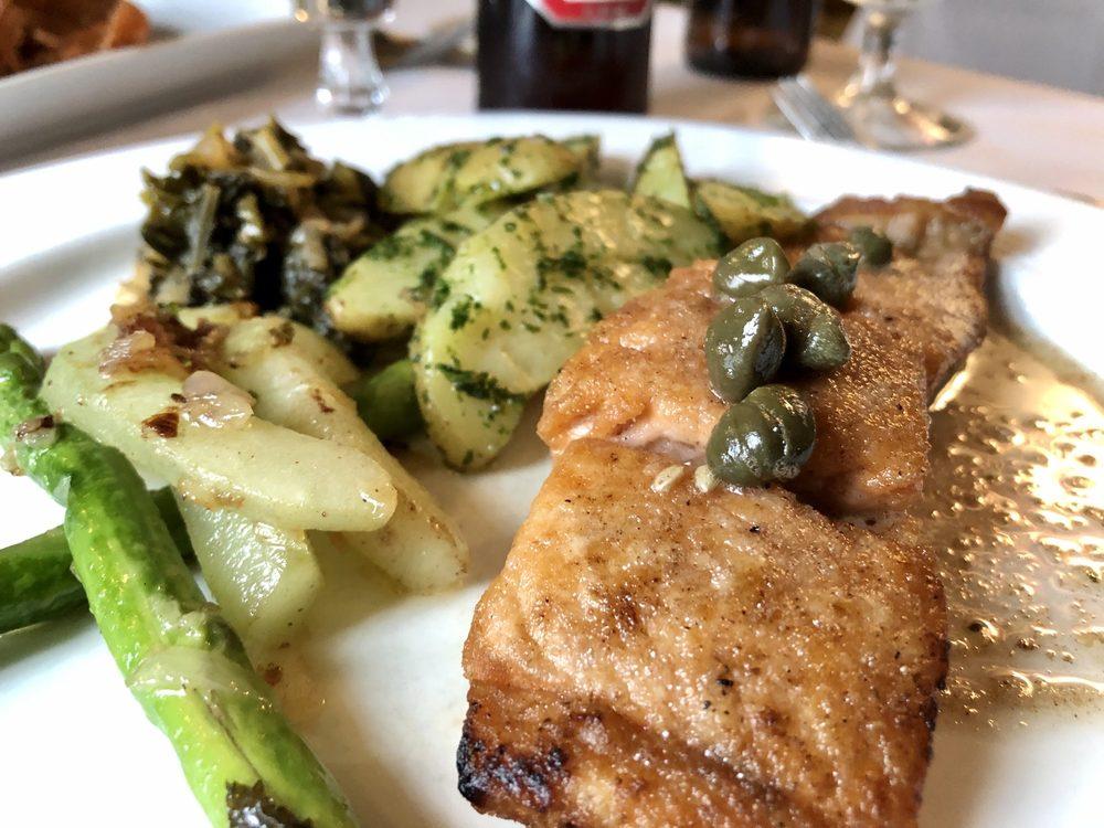 Lagniappe Brasserie: 17001 W Greenfield Ave, New Berlin, WI