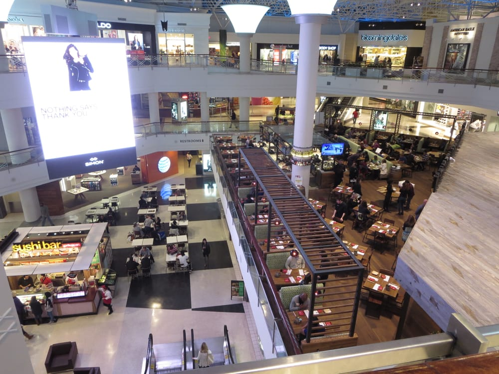 Overhead shot of CPK located inside of Lenox Square Mall ...
