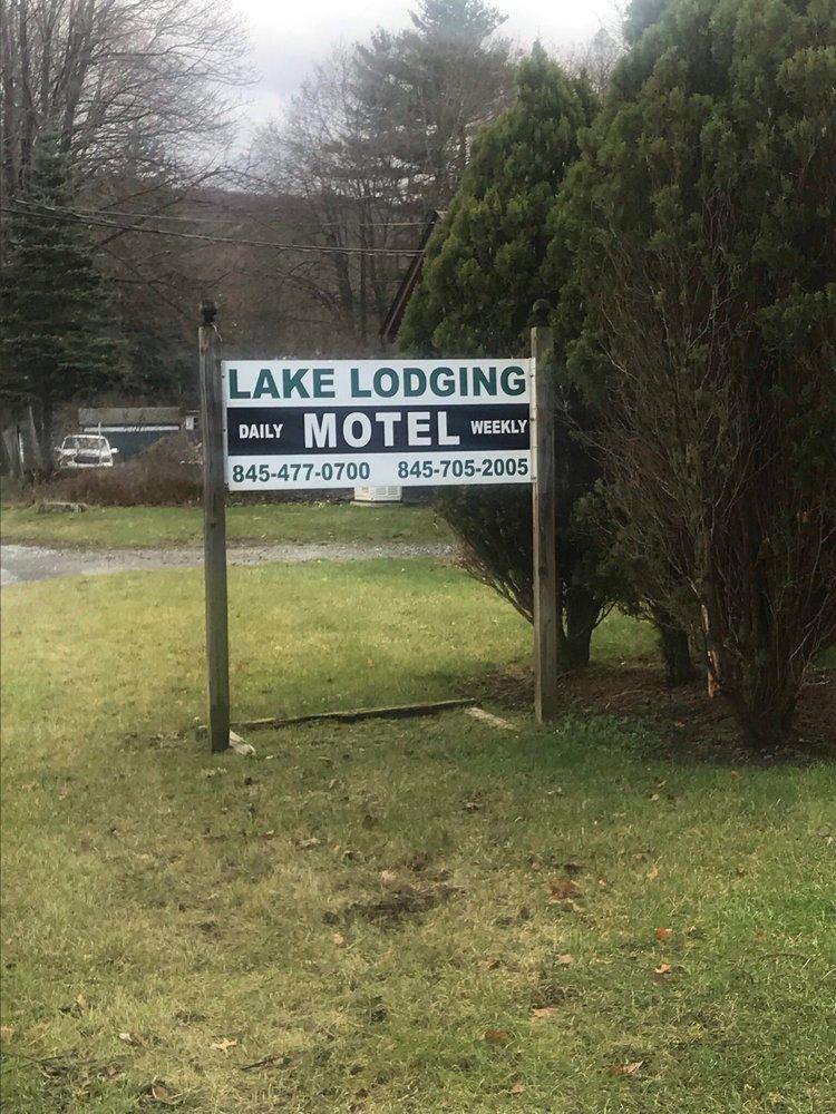 Lake Lodging: Route 17A, Greenwood Lake, NY