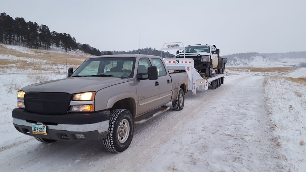 RMJ Towing: 18 2nd St SW, Bowman, ND