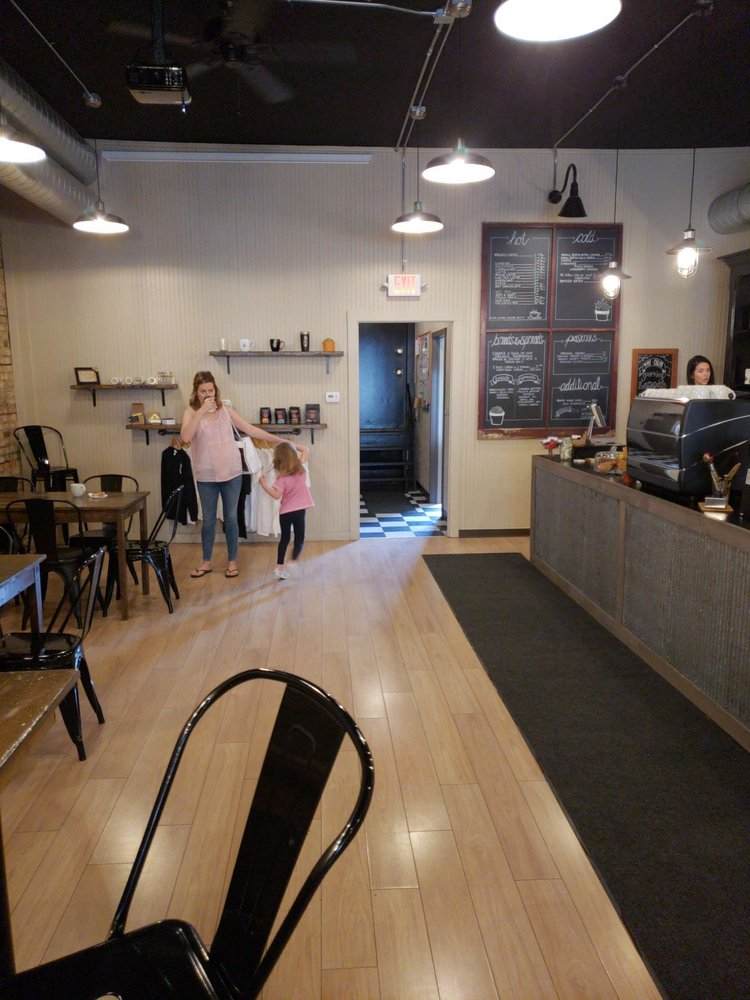 Red Rooster Coffee: 207 S James St, Ludington, MI