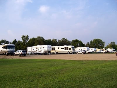 Jan's Stall Mall & Rv Park: 500 2nd Ave SE, Leeds, ND