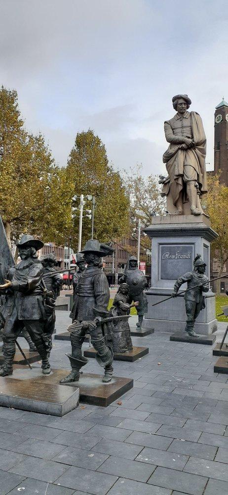 Rembrandtplein Squares: Rembrandtplein, Amsterdam, NH