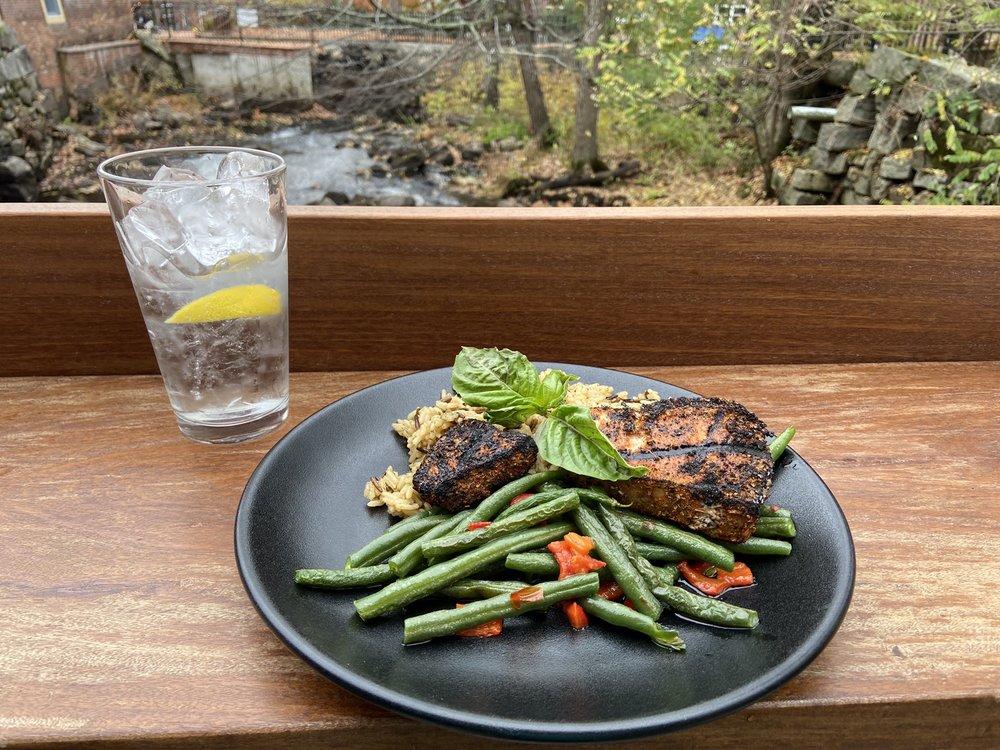 Blue Moon Kitchen & Bar: 26 Millyard, Amesbury, MA