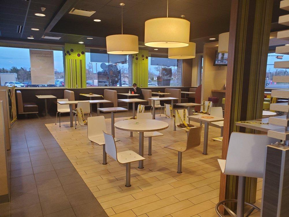 McDonald's: 1201 N Hobart, Pampa, TX