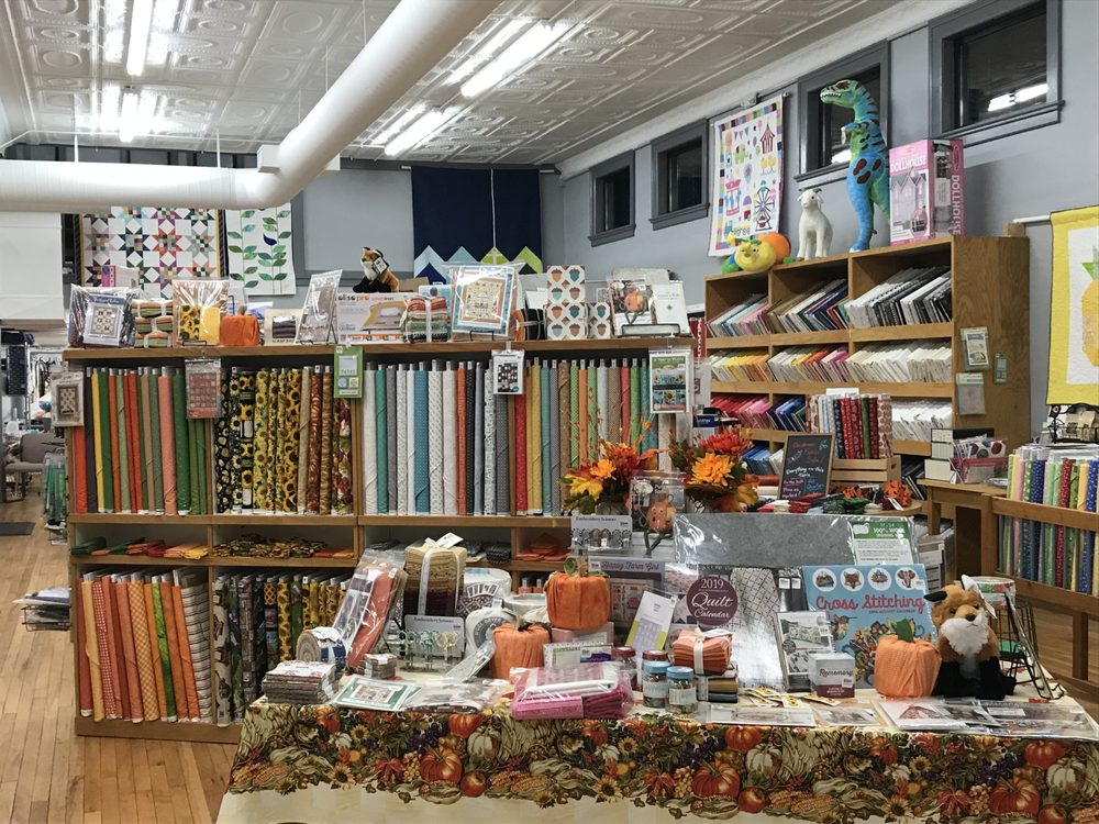 Beehive Quilt Shop: 122 N Washington Ave, Wellington, KS