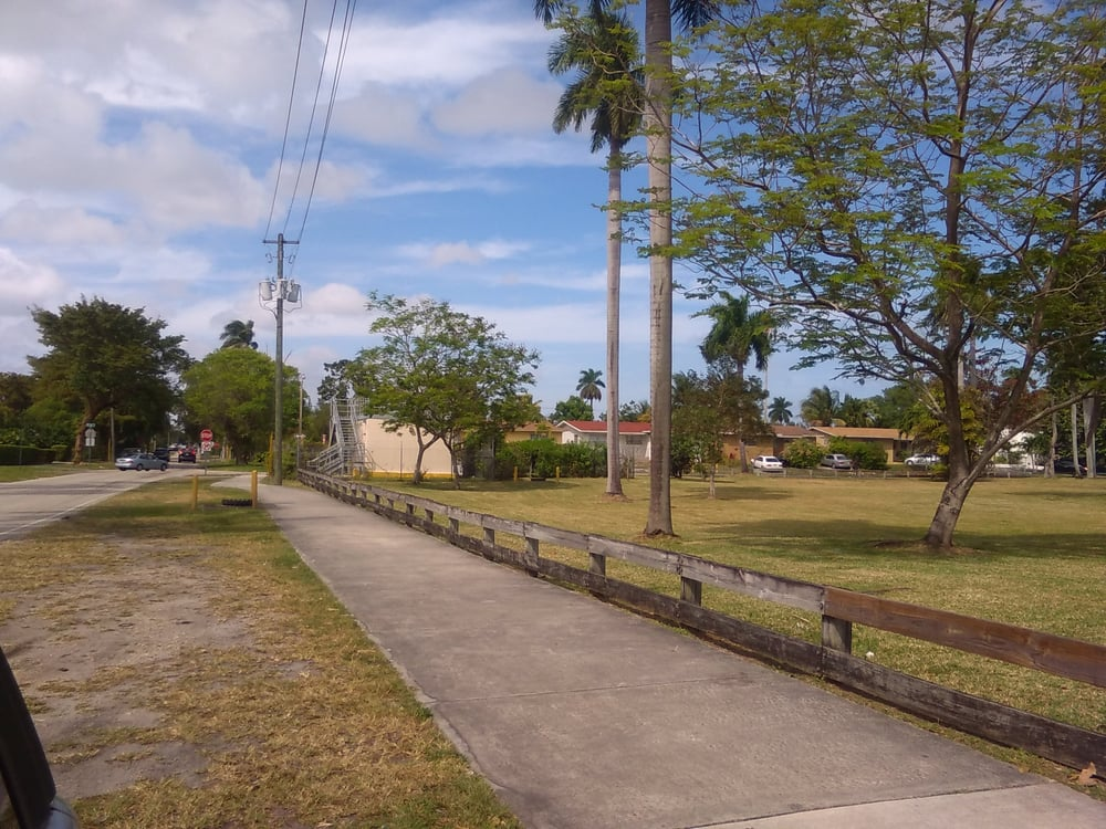 Biscayne Shores & Gardens Park: 11525 NE 14th Ave, Miami, FL