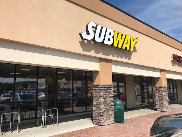 Subway: 3999 Medina Rd, Akron, OH