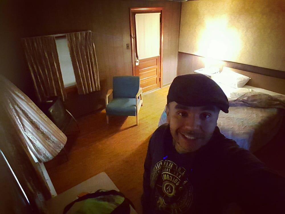 Thompson's Motel: 33 US-220, Franklin, WV