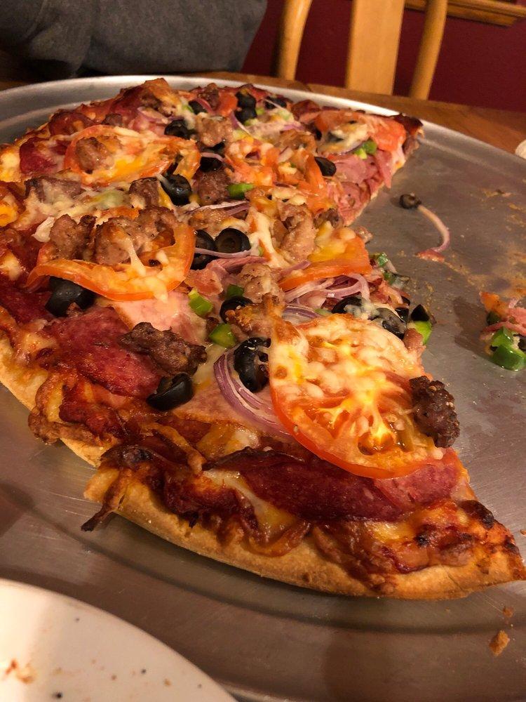 Smokehaüs Pizza & Pints: 1244 Hartnell Ave, Redding, CA