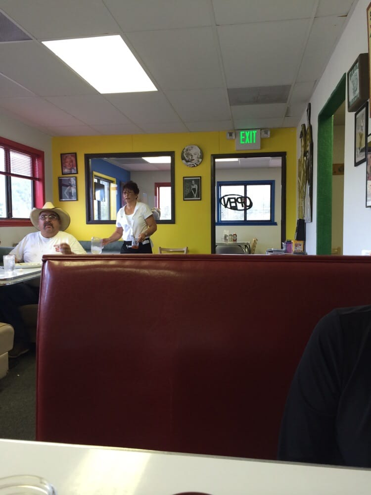 Rene's 50's Diner: 481 Highway 518, Mora, NM