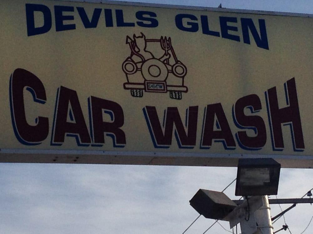 Devils Glen Car Wash: 3011 Devils Glen Rd, Bettendorf, IA