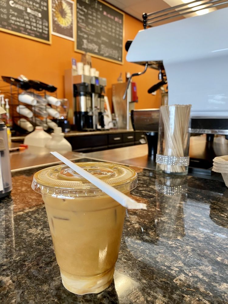 Revocup Coffee: 12670 Dorsett Rd, Maryland Heights, MO