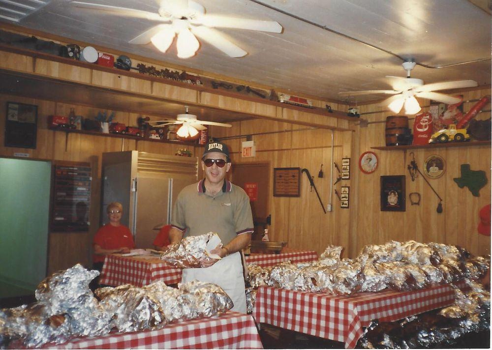 Steve's BBQ & Catering: 4726 N Hwy 146, Baytown, TX
