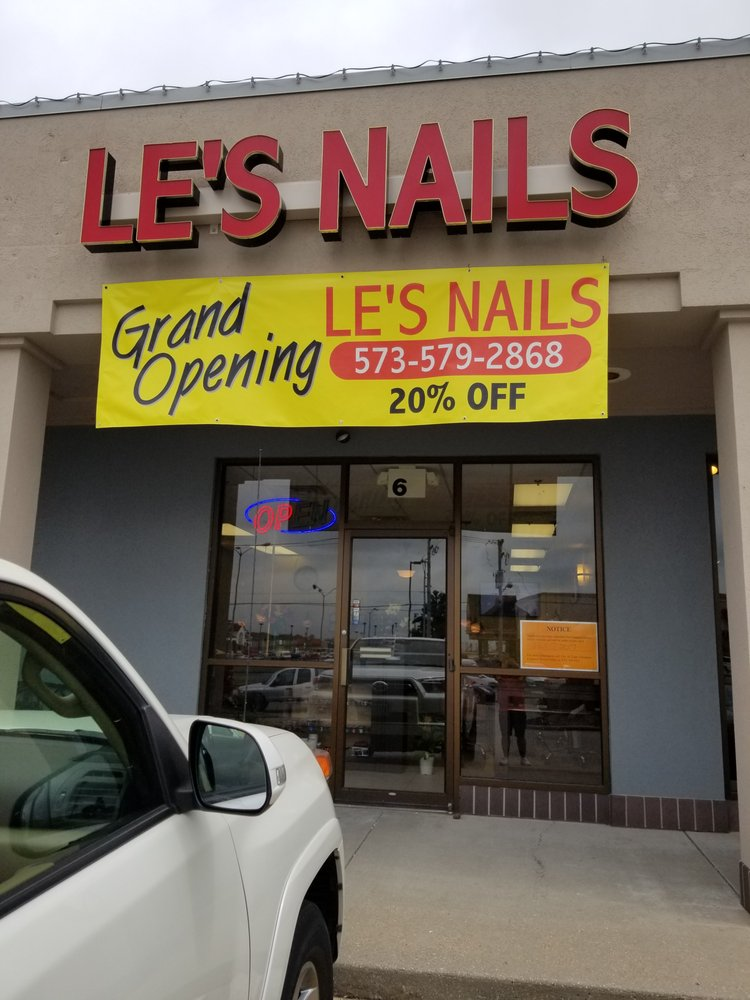 Le's Nails: 97 N Kingshighway, Cape Girardeau, MO