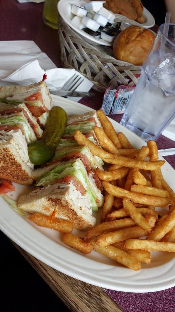 Chick-A-Dee Restaurant: 390 W Baltimore St, Wilmington, IL