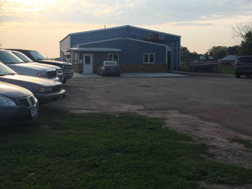 Overweg Auto, Glass & Fuel: 701 S Main St, Plankinton, SD