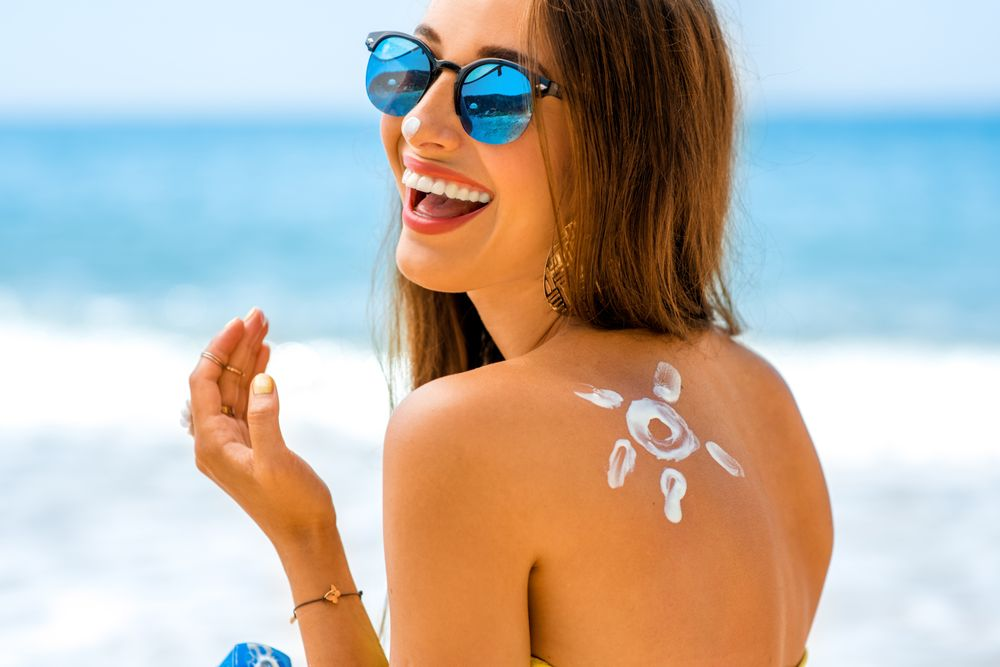 Electric Rays Tanning: 8118 N Government Way, Hayden, ID