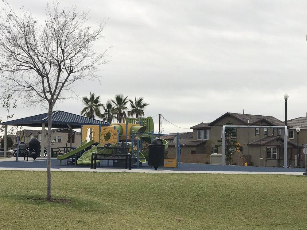 Crescent Park: 3501 N Oxnard Blvd, Oxnard, CA
