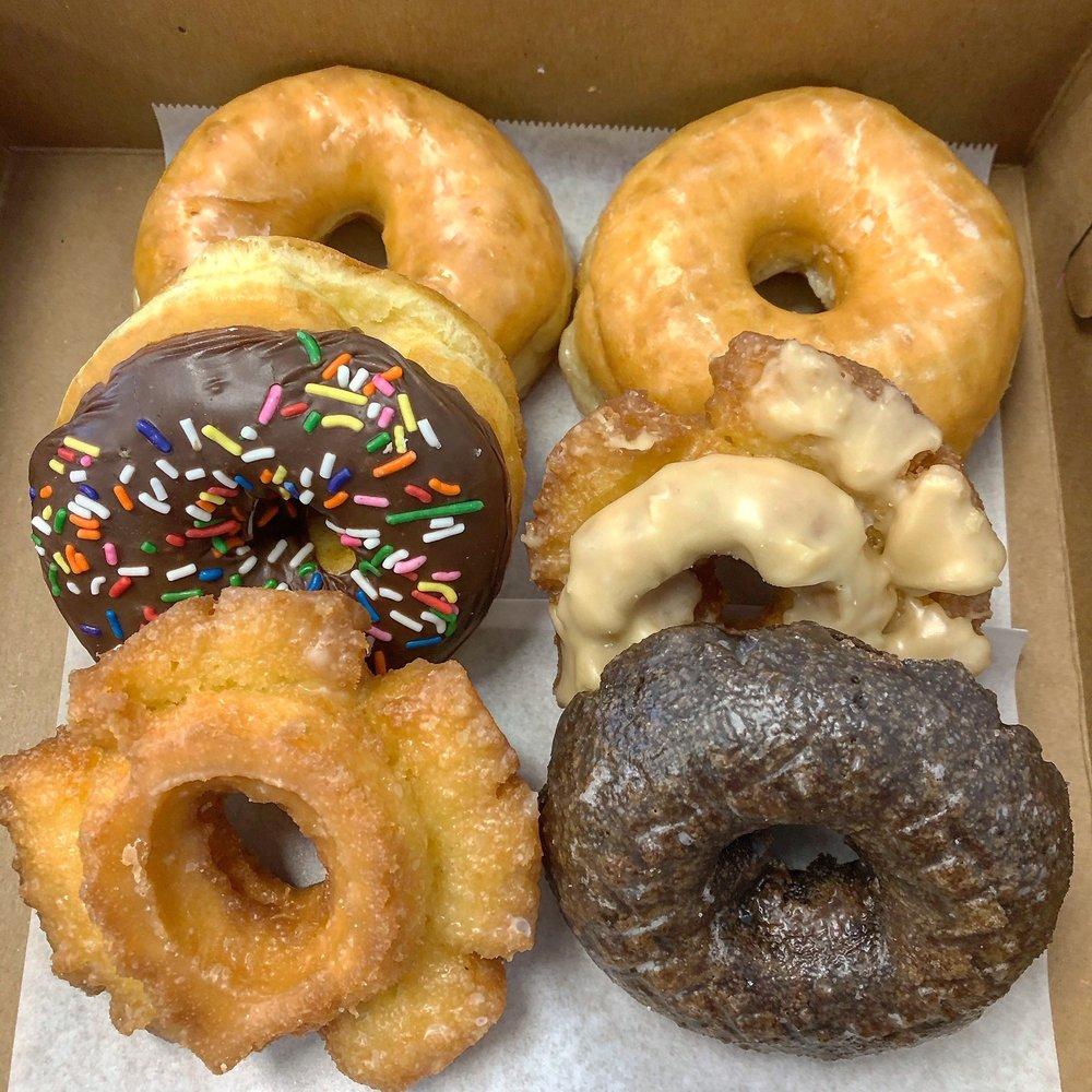 King Donuts: 814 Eastern Pkwy, Louisville, KY