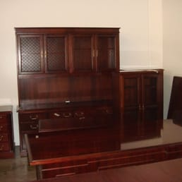 sold cherry veneer desk set with hutch straight desk 2