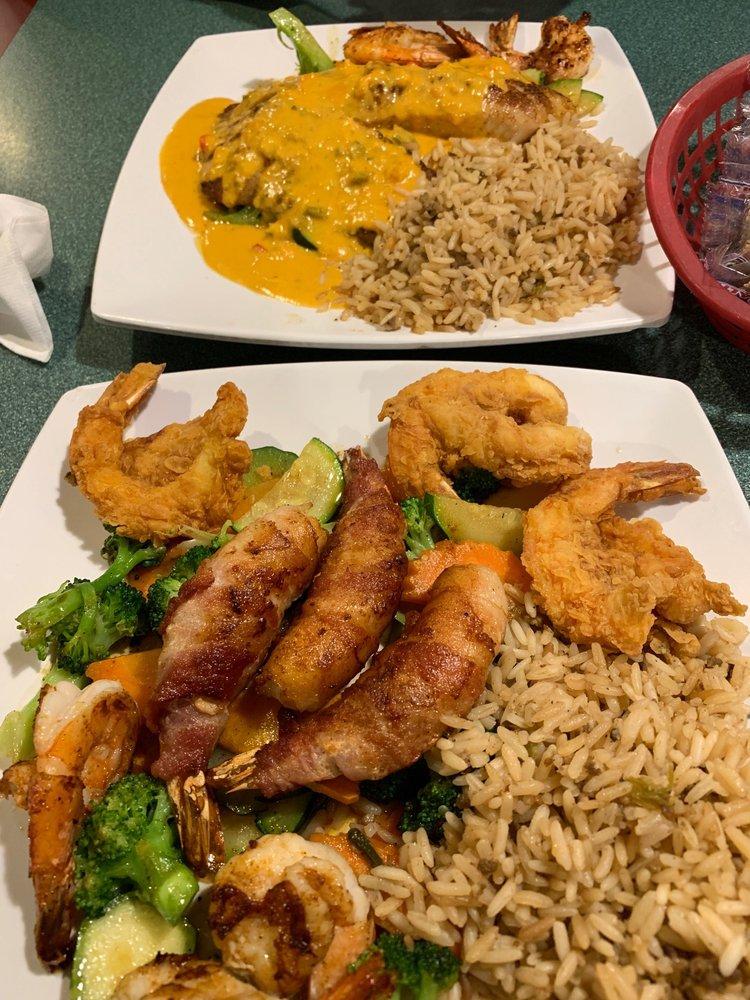 Baytown Seafood: 8765 Hwy 35 N, Van Vleck, TX