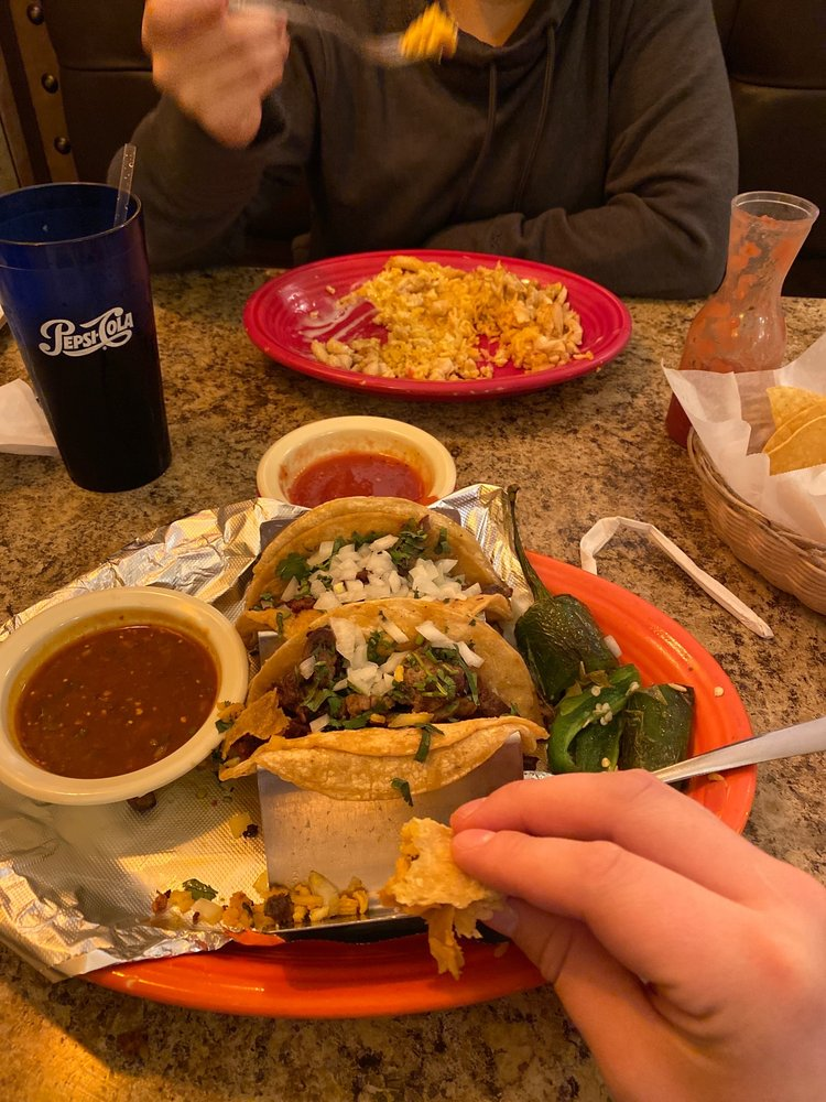 El Paso Mexican Grill: 15765 State Rt 170, East Liverpool, OH