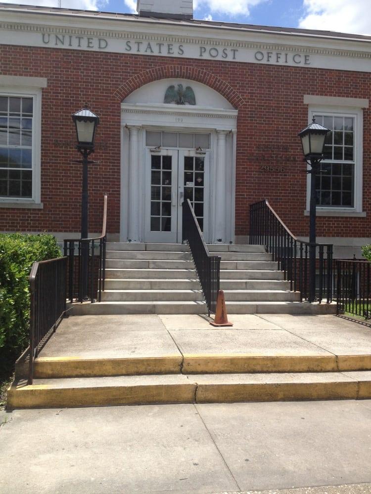 U.S. Post Office Or USPS: 129 W Mill St, Kingstree, SC