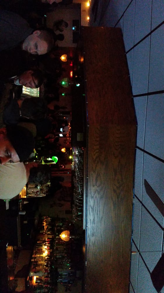 Pavle's Lounge: 1724 52nd St, Kenosha, WI