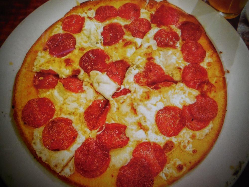 Ciao Grazie Pizzeria Winebar: 21051 W Main St, Buckeye, AZ
