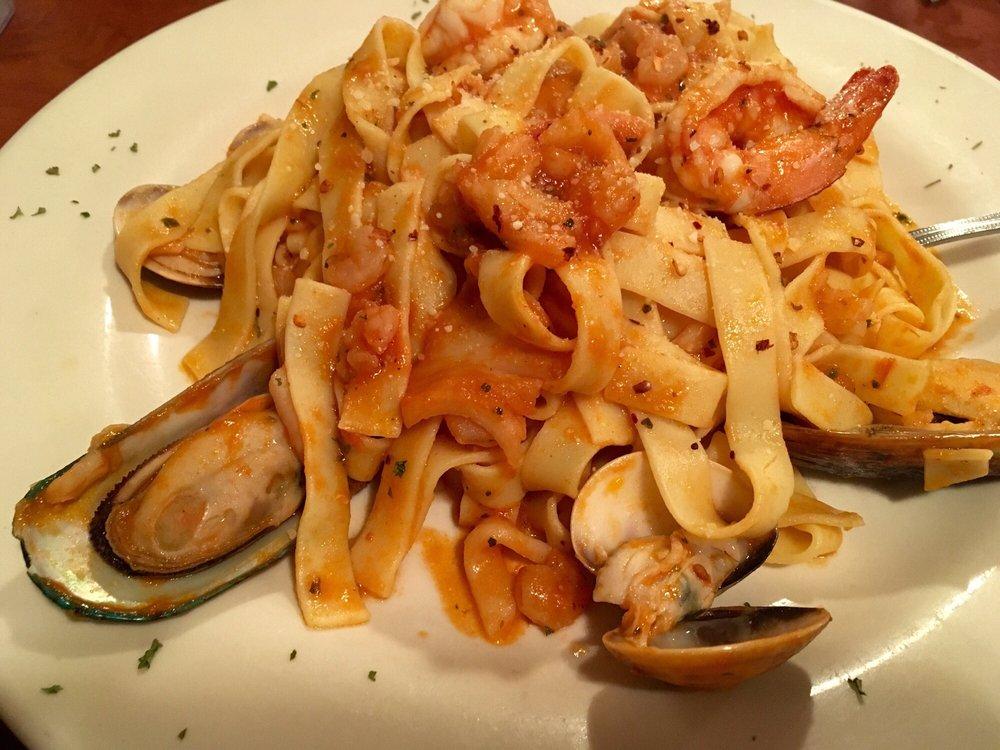 Verona Pizza & Italian Restaurant: 201 N Hwy 287, Decatur, TX