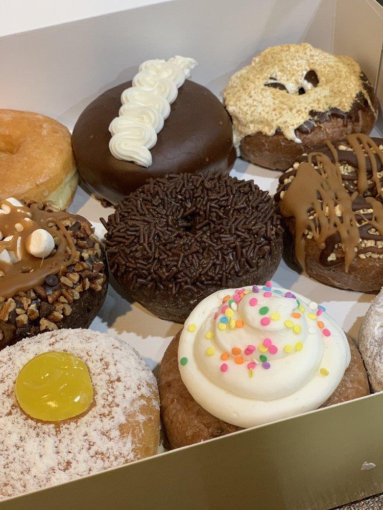 Glaze Donuts: 554 Passaic Ave, West Caldwell, NJ