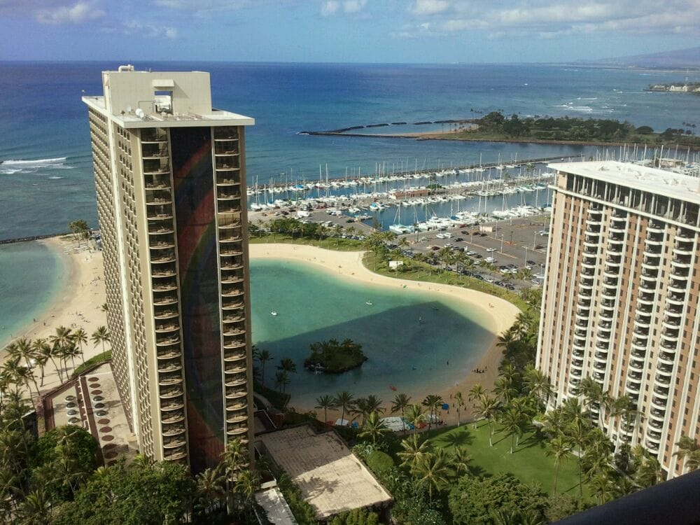 Hilton Hawaiian Village Waikiki Beach Photo Gallery: Rainbow Tower And Lagoon