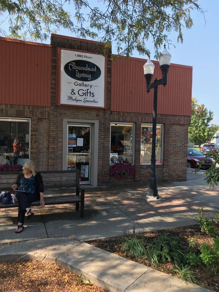 Abundant Living Gallery & Gifts: 3002 1st St, Wyandotte, MI