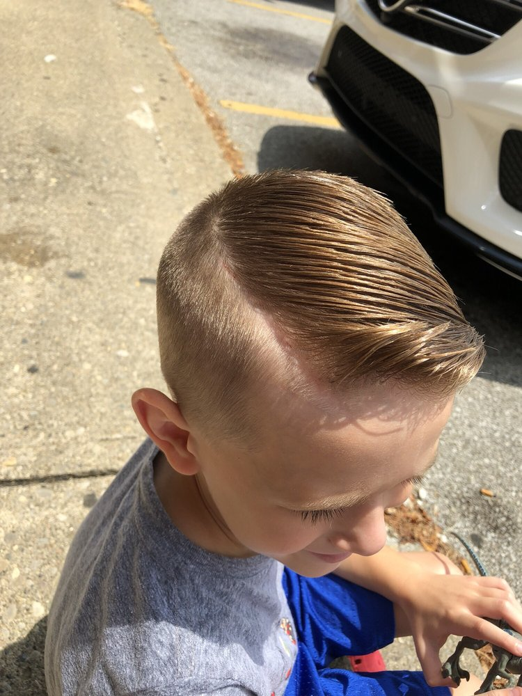 Bryan's Barber Shop: 2604 Burlington Pike, Burlington, KY