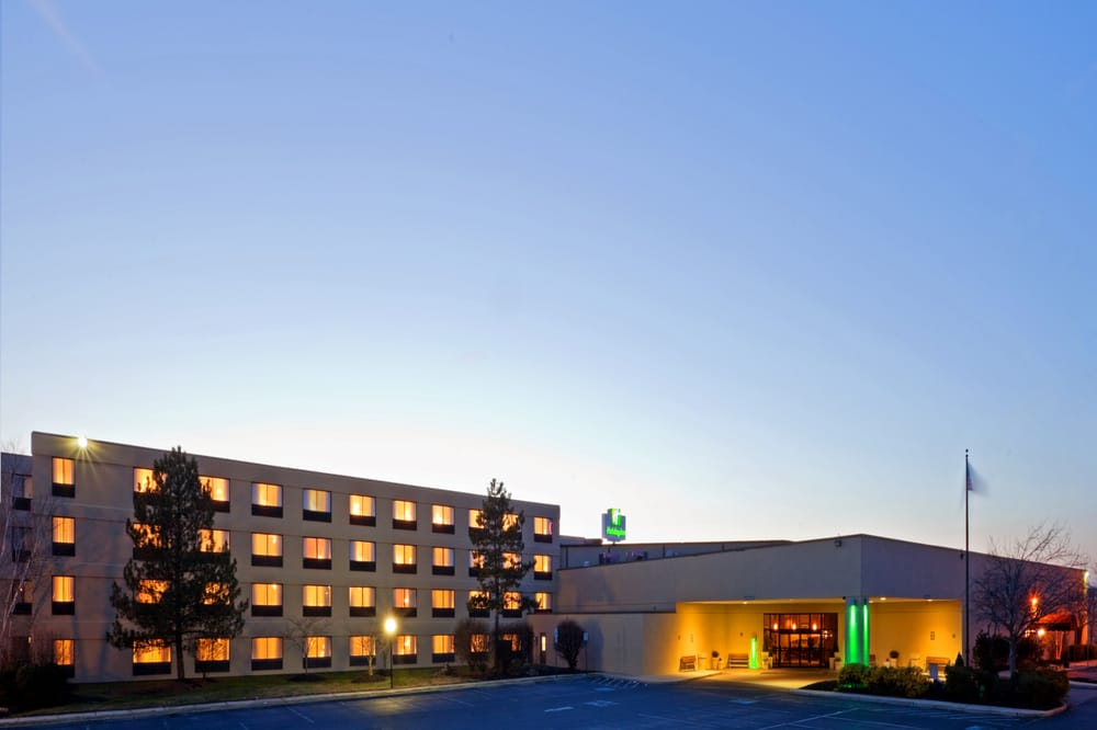 Holiday Inn Philadelphia South-Swedesboro: 1 Pureland Dr, Swedesboro, NJ