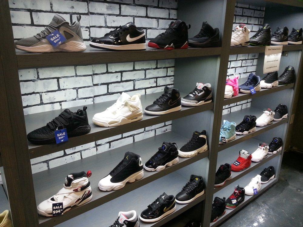 Shiekh Shoes: 1000 W Oaks Mall, Houston, TX