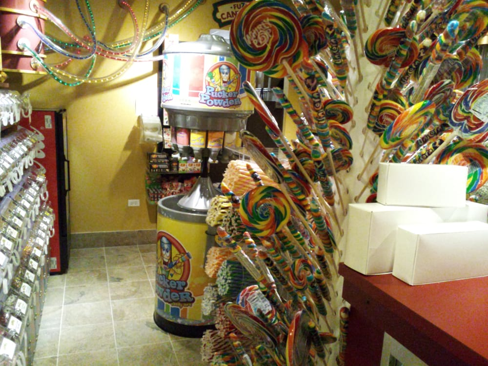 Photo of Fuzziwigs Candy Factory: Chicago, IL